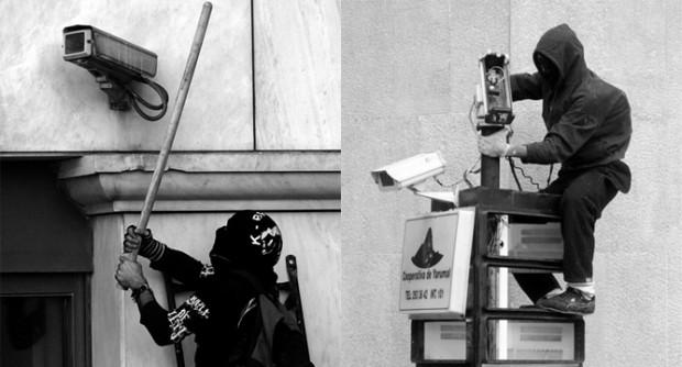 監視カメラを破壊